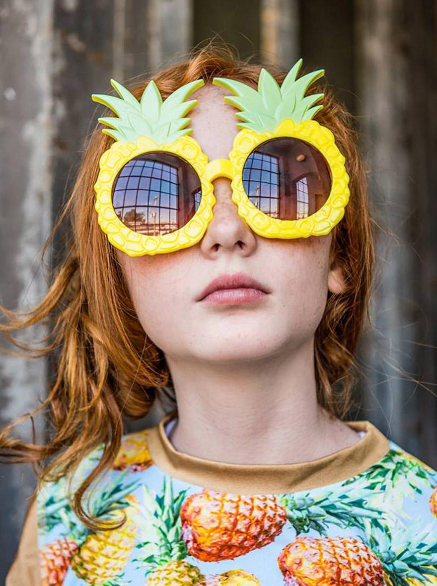 אננס-משקפיים